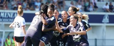 Shaw félicitée par Jaurena (photo FCGB)