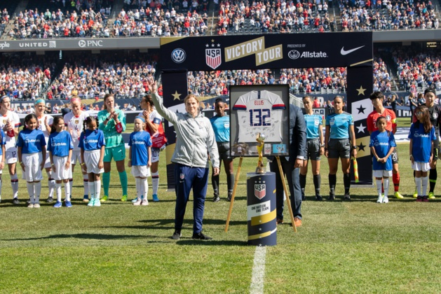 132e match dirigé par Jill Ellis (photo US Soccer)