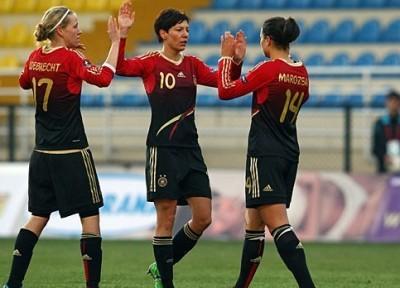 Maroszan à droite a inscrit le premier but (photo DFB)