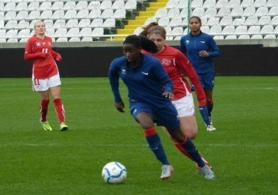 Marina Makanza aurait pu marquer lors de sa première cape, il lui a manqué un peu de justesse technique pour mettre la balle au fond (Photo : Thibault Simonnet)