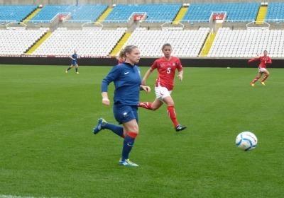 Eugénie Le Sommer se méfie du potentiel athlétique finlandais (Photo : Thibault Simonnet)