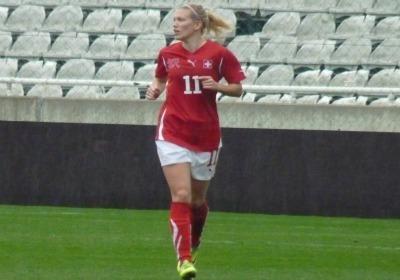 Deux défaites en deux matches pour la Suisse de Lara Dickenmann (Photo : Thibault Simonnet)