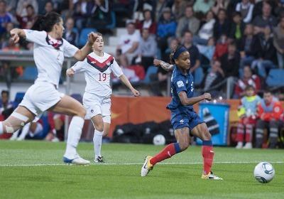 Les Bleues gardent un très bon souvenir de leur dernier match contre le Canada (Photos : Eric Baledent)
