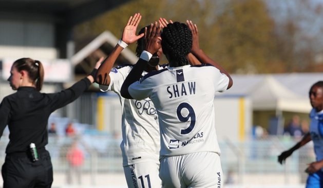 Asseyi et Shaw se félicitent (photo FCGB)