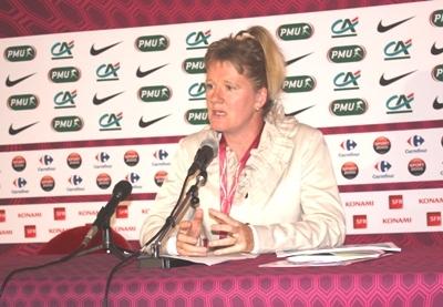 """Brigitte HENRIQUES (Secrétaire Générale de la FFF) : """"Il y a plein de jeunes filles qui veulent jouer au football"""""""