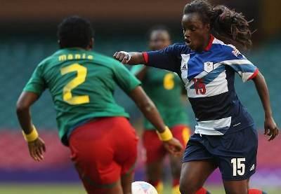 Aluko et la Grande Bretagne peuvent viser la première place du groupe E (photo FIFA.COM)