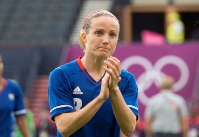 Joie mesurée pour Sonia Bompastor, la France doit encore jouer deux matchs pour décrocher une médaille (photo E Baledent/LMP)