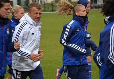 Après un triplé la saison dernière, la barre est haute pour Patrice Lair et ses joueuses (photo olweb.fr)