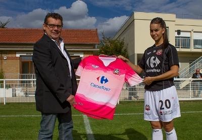 Jean Basse et Charlotte Fernandes avait l'un des nouveaux maillots de Juvisy (photo W Morice)