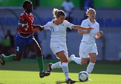Pauline Cousin et Léa Declercq, en arrière plan ont contribué au succès tricolore (photo fifa.com)