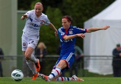 Sur cette action, Lotta Schelin ouvre le score (photo W Morice/LMP)