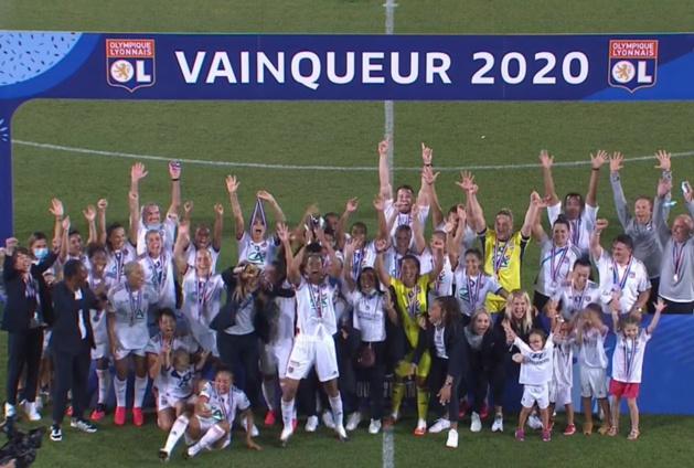 Les Lyonnaises décrochent leur 30e titre (capture France 4)