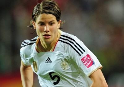 Annike Krahn sous le maillot de la Frauenmannschaft