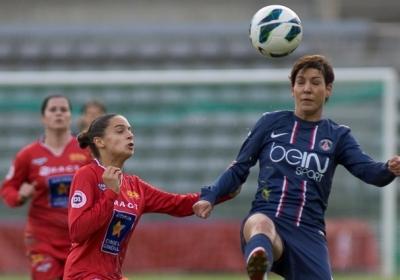 Sophie Vaysse découvre la D1, ici face au PSG (photo Eric Baledent/LMP)