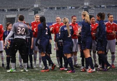Stade Charléty, la neige se joint au PSG et à Issy (photo A Massardi/les-feminines.fr)