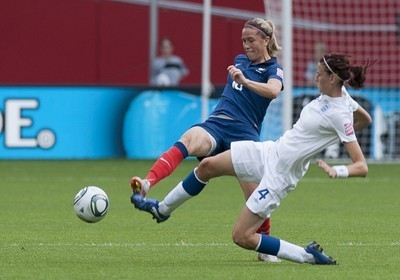 Après l'Allemagne en 2011, Camille Abily et les Bleues veulent  vivre une nouvelle Coupe du monde (Photo : Eric Baledent)