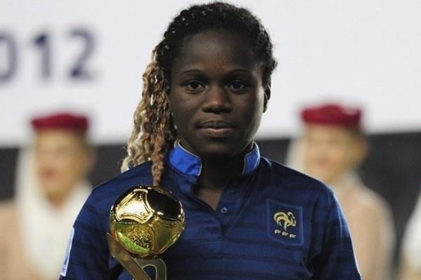 Griedge Mbock, championne du Monde U17, a également reçu le ballon d'or (photo fifa.com)