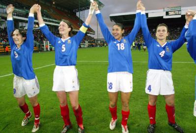 Diacre avec les Bleues victoire de l'Angleterre en 2002 (photo FFF)