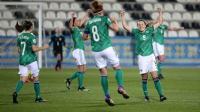 Simone Magill à droite a inscrit le but victorieux