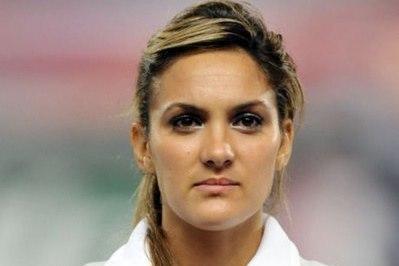 """Louisa NECIB (OL) : """"Priorité à la Coupe de France""""."""