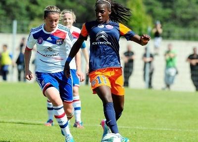 Camille Abily, à gauche, a signé un doublé, alors que Viviane Asseyi n'a rien pu faire (photo MHSC)