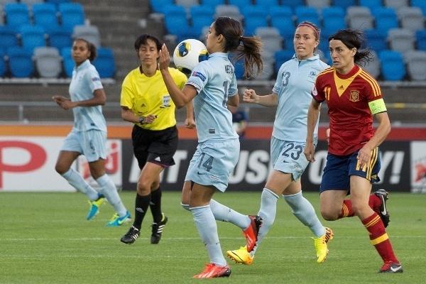 Louisa Necib a débuté le second match (photo Eric Baledent)