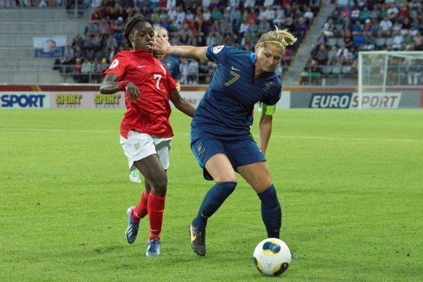 Corine Franco a porté le brassard de capitaine pendant toute la seconde période (Photo : Eric Baledent)