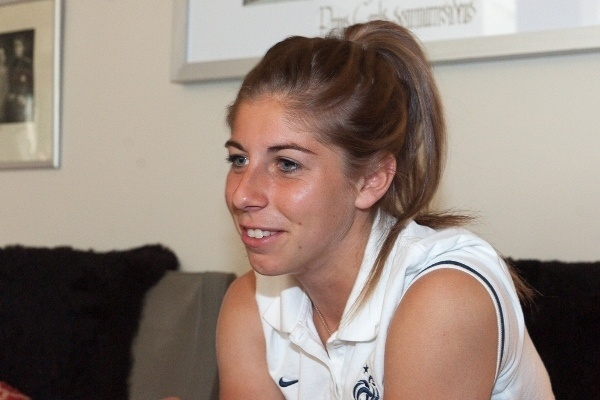 Camille Catala, décontractée, a joué ses premières minutes contre l'Angleterre (photos Eric Baledent)