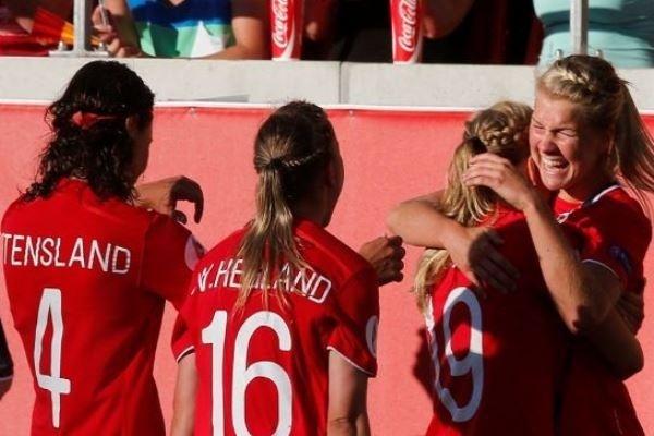 Après avoir marqué trois fois un but, la Norvège en plante trois (photo NFF)