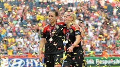 Leoinie Maier et Nadine Kessler fêtent le huitième sacre européen de l'Allemagne.