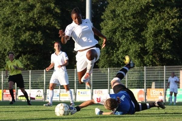 Kadidiatou Diani et les Bleuettes sont d'attaque pour l'Euro (photo S Duret)