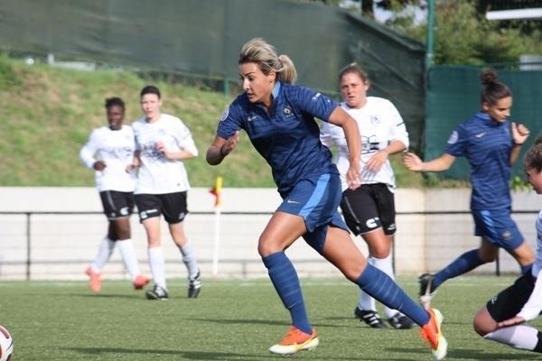 """Euro U19 - Claire LAVOGEZ : """"On n'a jamais la certitude d'être titulaire"""""""