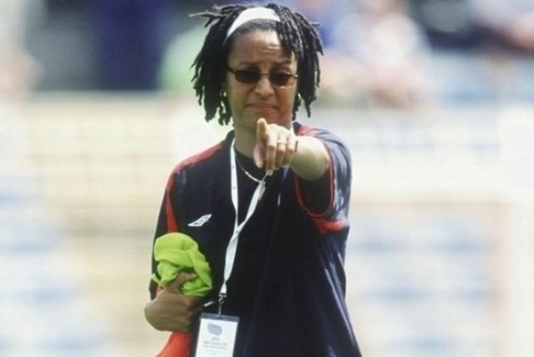 Hope Powell lors de l'Euro 2005 en Angleterre (photo uefa)