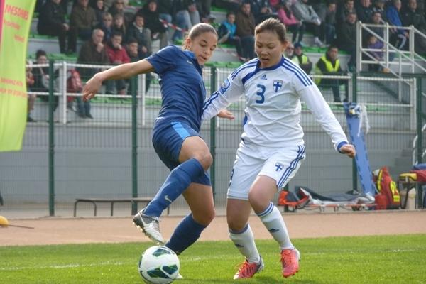 Delphine Cascarino et la sélection U17 veulent rebondir (photo F Dufaud)