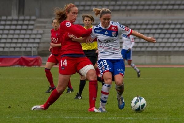 Kheira Hamraoui - Camille Abily, un duel dans le match