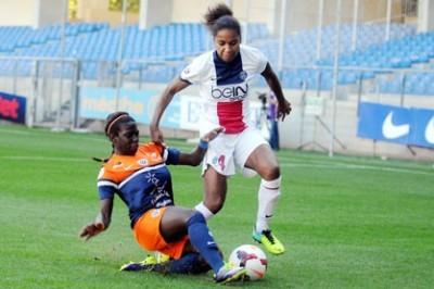 Laura Georges à la lutte avec Viviane Asseyi (photo MHSC)