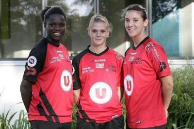 Avec Griedge Mbock Bathy Nka et Clarisse Le Bihan, Faustine Robert a rejoint ses partenaires guingampaises