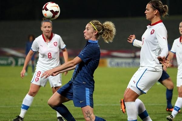 """""""On a attaqué le match trop timidement"""", regrette la Lyonnaise"""