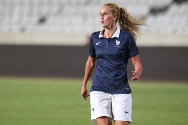 Kheira Hamraoui est entrée en seconde période lors des deux premiers matchs (photo Sébastien Duret)