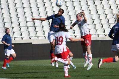 Wendie Renard en 2011 lors de sa première sélection face à la Suisse, à Chypre (photo Sébastien Duret)