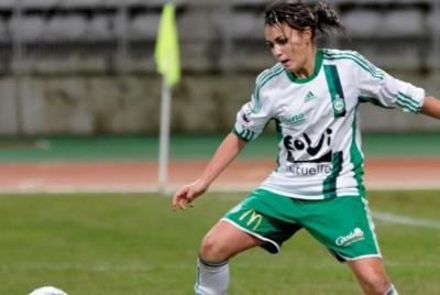 Ophélie Brevet, passée par le championnat féminin américain, est bel et bien de retour chez les Vertes, prête à en découdre une nouvelles fois avec les joueuses de Patrice Lair (Photo : ASSE).