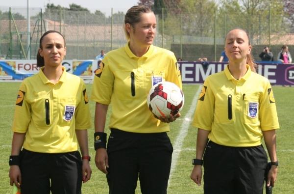 Le trio d'arbitres