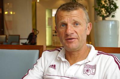 Le coach a encadré son dernier entraînement à la Plaine des jeux de Gerland jeudi...