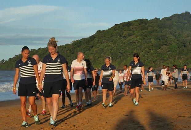 Les Bleues sont arrivées lundi en Guyane (Photo Antonio Mesa/FFF)