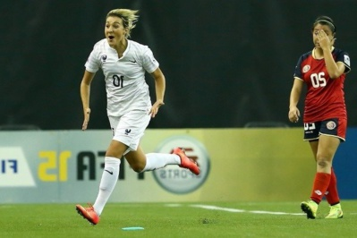 Claire Lavogez, joueuse du match (photo FIFA)