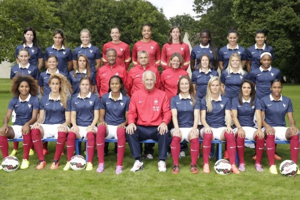 Bleues - La photo officielle de la saison et le making of (FFF TV)