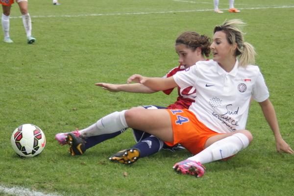 Deux buts et de nombreux gestes de classe pour Claire Lavogez.
