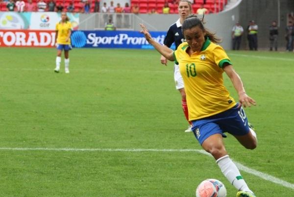 Marta sera à Gerland (photo Andre Borges)