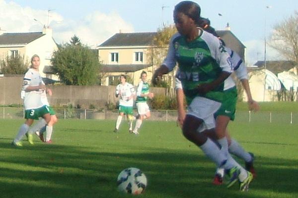 Béatrice Kaboré a marqué le deuxième but d'Orvault SF dans les arrêts de jeu face à Saint-Lyphard. Photo archives Foot49.fr