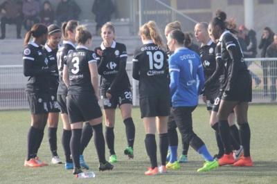 Sous les couleurs de Juvisy, Camille Catala (au centre) a retrouvé l'air du Forez (photo ASSE féminines)